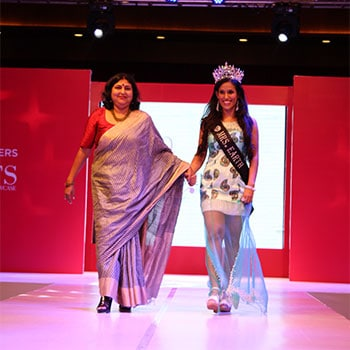 Rashmi Gupta on the Fashion Show ramp with Mrs World winner
