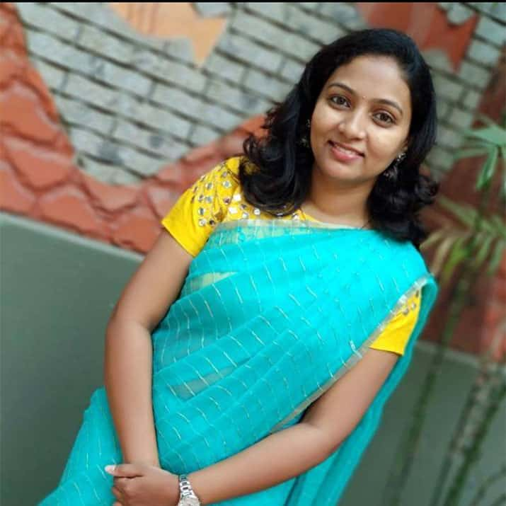 Ashwini has shared her feedback on the dress design at Google My Business Listing