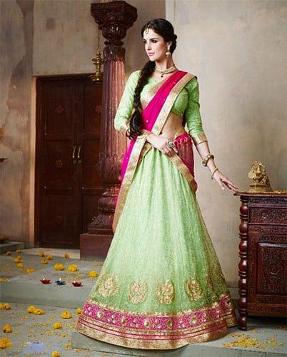plain Lehenga blouse design with emphasis on the border of the lehenga skirt and border of dupatta